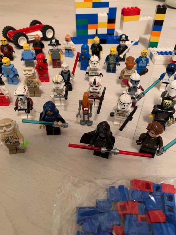 45 Legofiguren aus verschiedenen Serien