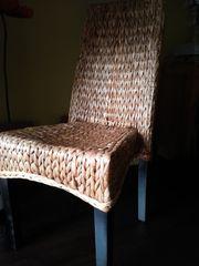 6 geflochtene Stühle