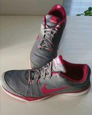 Nike wie NEU