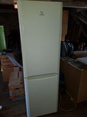 Kühl- u Gefrierschrank INDESIT groß