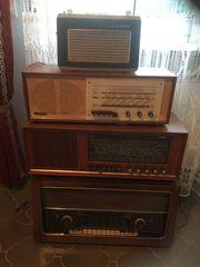 alte Radios 4 auf einen