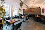 Gutlaufendes Café Restaurant voll ausgestattet