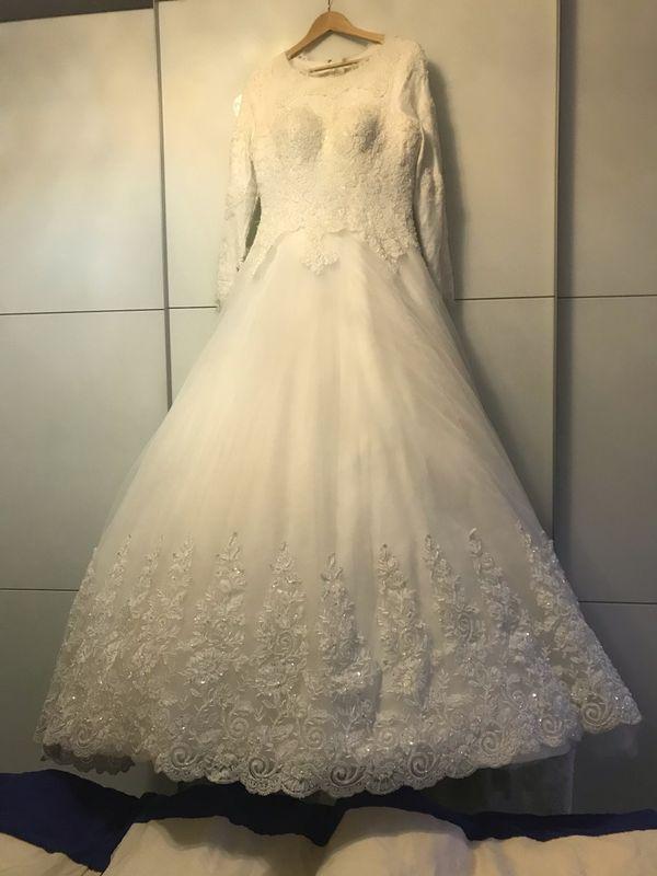 Hochzeitskleid mit Schleier