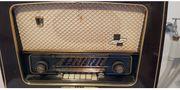 gut erhaltenes Röhrenradio AEG 3