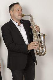 Saxofonist Saxofon Hochzeit Trauung Dinner