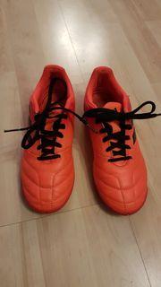 Adidas Hallen-Fußballschuhe