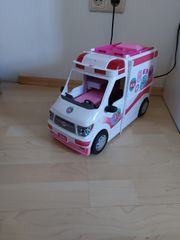 Barbie Krankenwagen