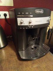 Kaffeevollautomat DeLonghi ESAM3000