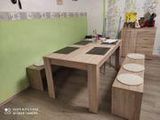 Esszimmertisch mit 2 Bänken