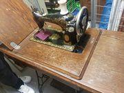 Antike Nähmaschine von Singer