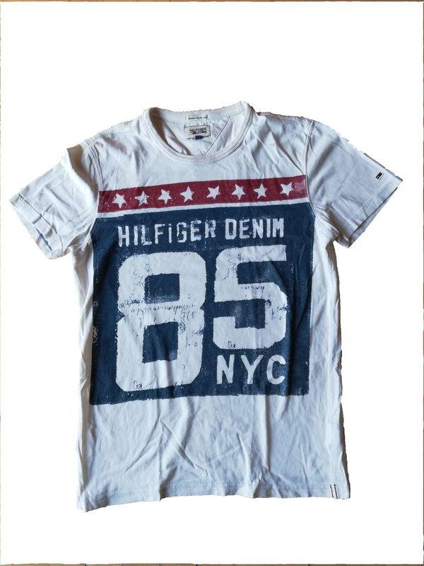 f695b56e2c8520 Tommy Hilfiger Denim T-shirt Größe M NY Vintage style in Moorenweis ...