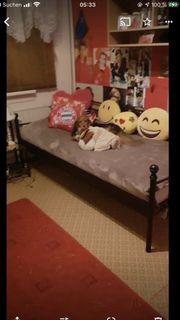 Bett gestellt mit lakenrost zv