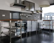 Einbauküche in Modulen inklusive Elektrogeräten