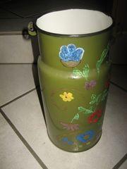 uralte bemalte Milchkanne aus Emaille