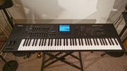 YAMAHA MOTIF XF7 Synthesizer Workstation