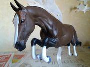 Verkaufe das Breyer Springpferd Voyeur