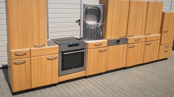 Gepflegte Küchenzeile Einbauküche Küchen mit Geräten abgebaut von Impuls