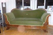 Sofa mit 4 Polsterstühlen von