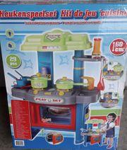 Kinderspiel-Küche aus Kunststoff