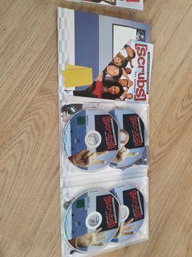 CDs, DVDs, Videos, LPs - Verkaufe 2 Scrubsstaffeln