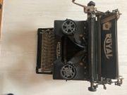 Alte Schreibmaschine ROYAL 10
