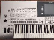 YAMAHA TYROS III Keyboard