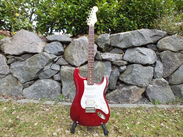 Fender Mexican Stratocaster CAR HSS