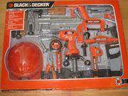 Werkzeug - 2 Zimmer-Wohnung - Spiel - Fahrrad - Schrank