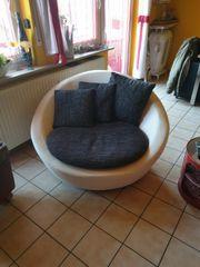 Sessel in weißer Lederoptik