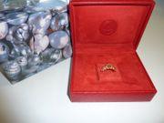 Gold Ring mit Rolex Box