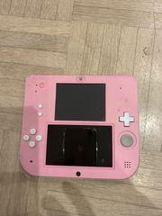 Nintendo 2DS mit Hülle und
