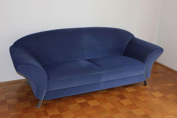 Schöne Sitzgruppe Sofa Sessel 2-Sitzer 3 -Sitzer Hocker Stoff blau