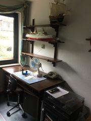Schreibtisch Regal und Sideboard Holz