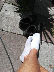 Biete meine getragenen Socken an