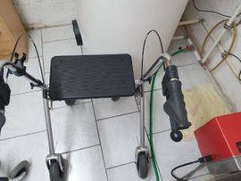 Rollator: Kleinanzeigen aus Augsburg Firnhaberau - Rubrik Medizinische Hilfsmittel, Rollstühle
