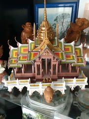 Thailändischer Sommerpalast thailändisches Geisterhaus Bang