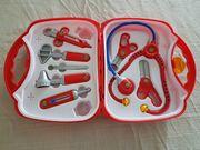 Spielzeug-Arztkoffer