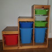 Regaltreppe für Ordnung im Kinderzimmer