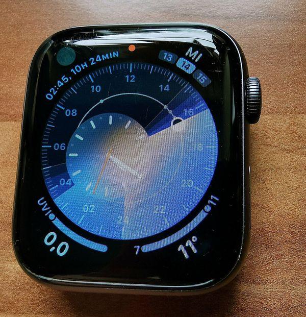 Smartwatch Apple Watch 4 mit
