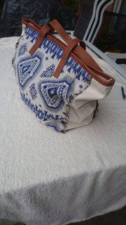 Neuwertig - Esprit Handtasche weiß blau