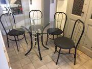 Tischgruppe mit 4 Stühlen in