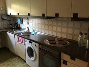 Ältere Küche mit Elektrogeräten