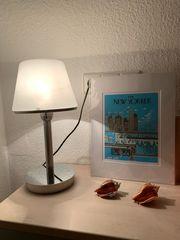 Tisch-Lampe im Bauhaus-Stil verfügbar bis