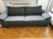 Hochwertiges bequemes Sofa in schwarz-grsu