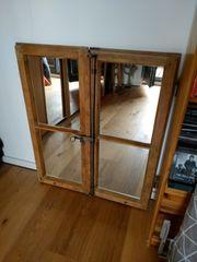 Antiken Fensterrahmen mit Spiegel