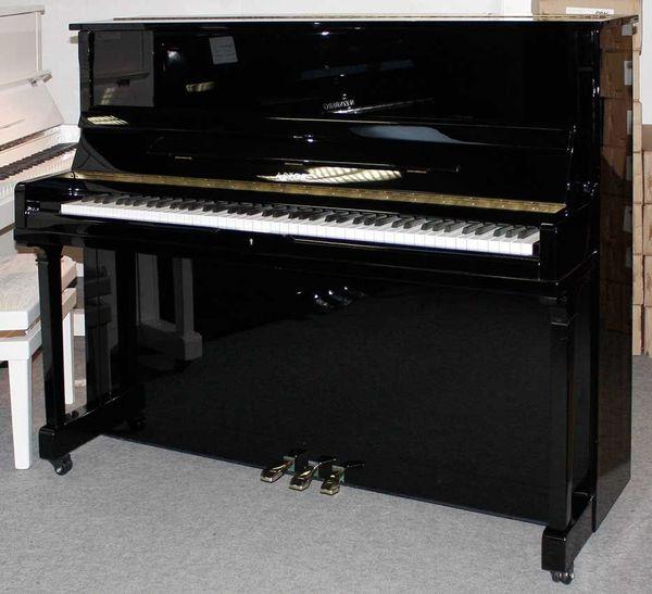 Klavier Astor P 20 120