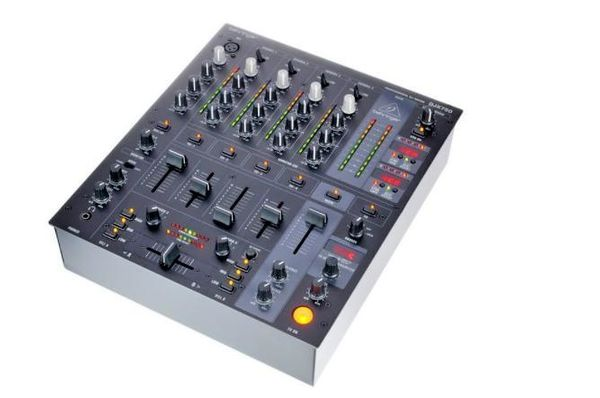 Behringer DJX 750 5 Kanal