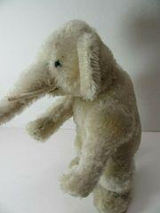 Sehr alter Elefant Steiff runder