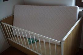 Kinder-/Jugendzimmer - Kinderbett kpl mit Matraze Kissen