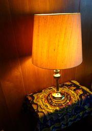Zauberhafte Messinglampe Tischleuchte Schirm Wildseide